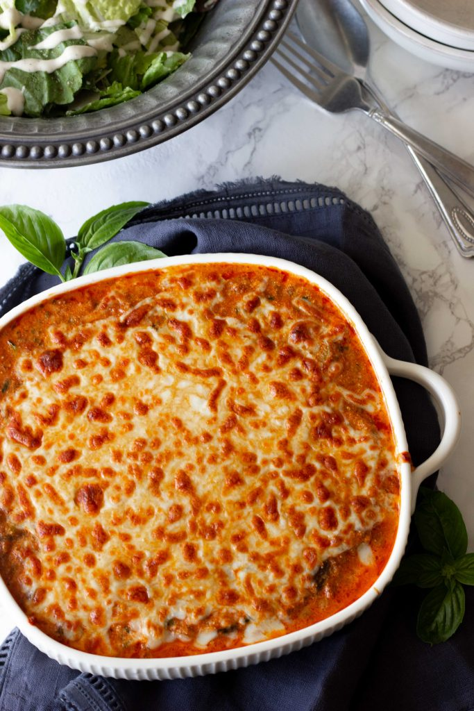 This keto Instant Pot spaghetti uses simple ingredients, ready in under 30 minutes, and only 5 net carbs per serving. An easy keto casserole for a family.