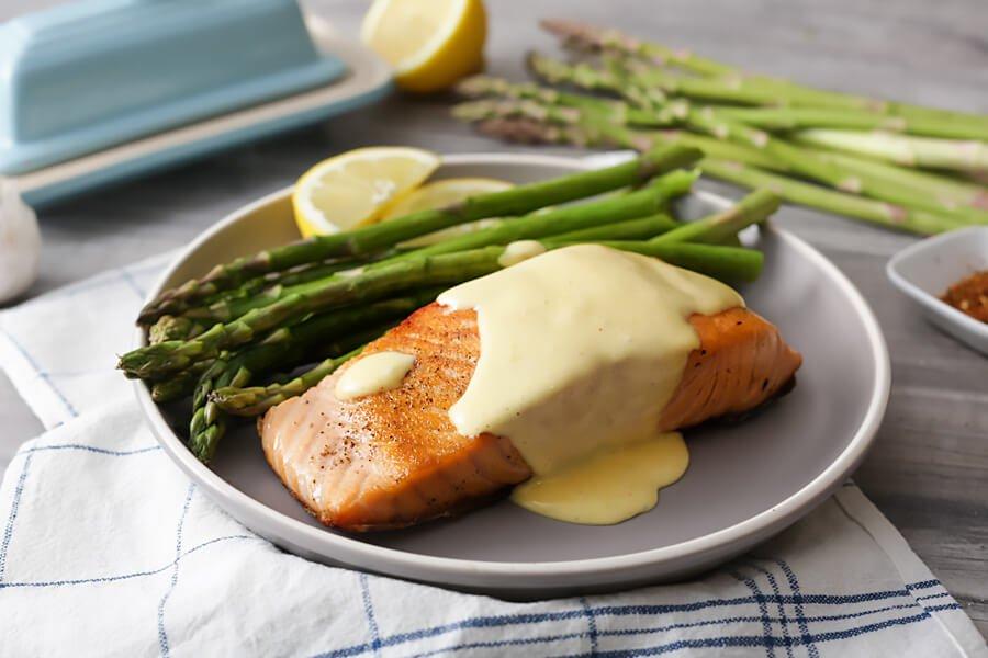 Seared Salmon and Asparagus with Easy Hollandaise